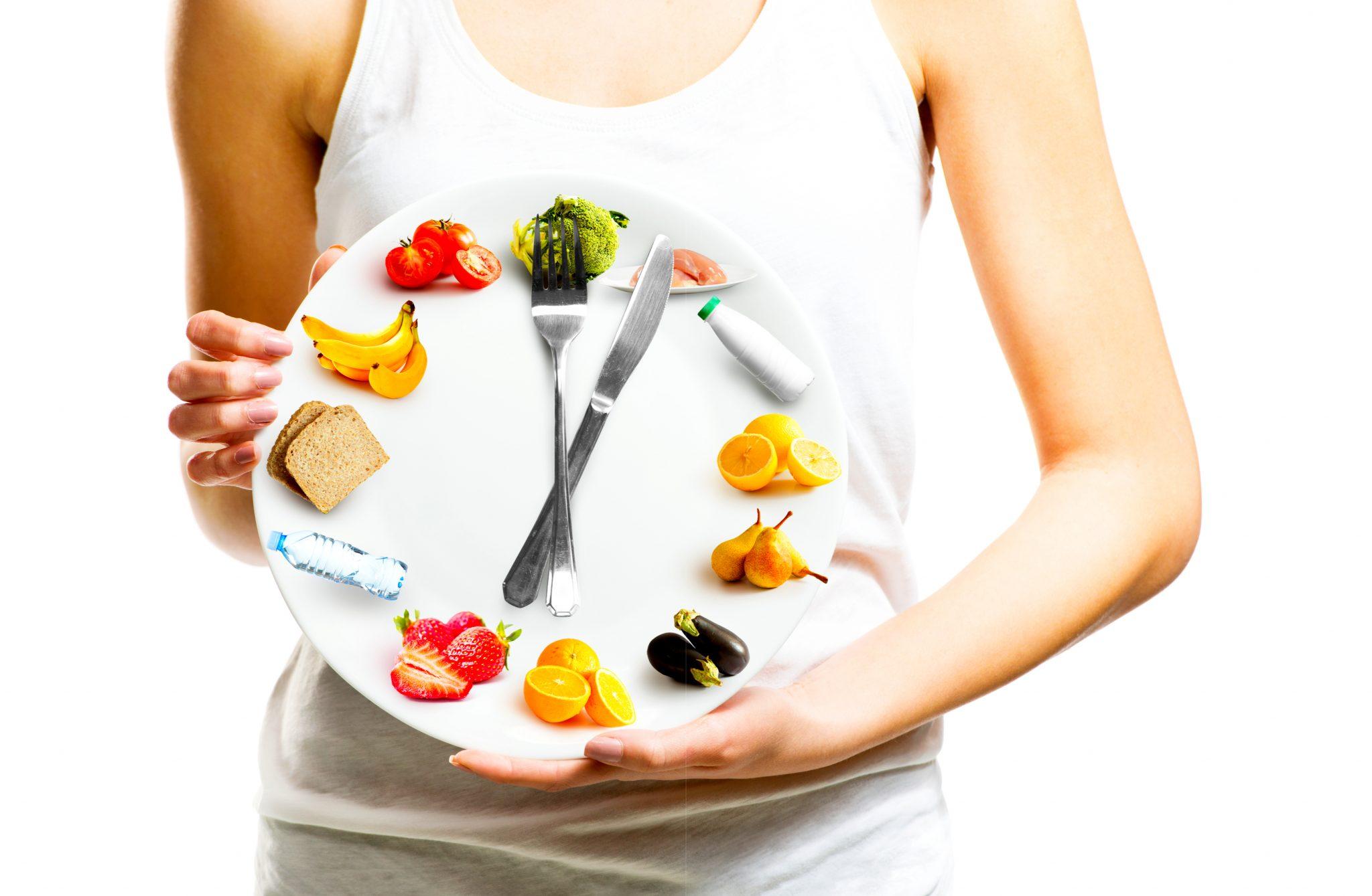 ダイエット生活をしている女性