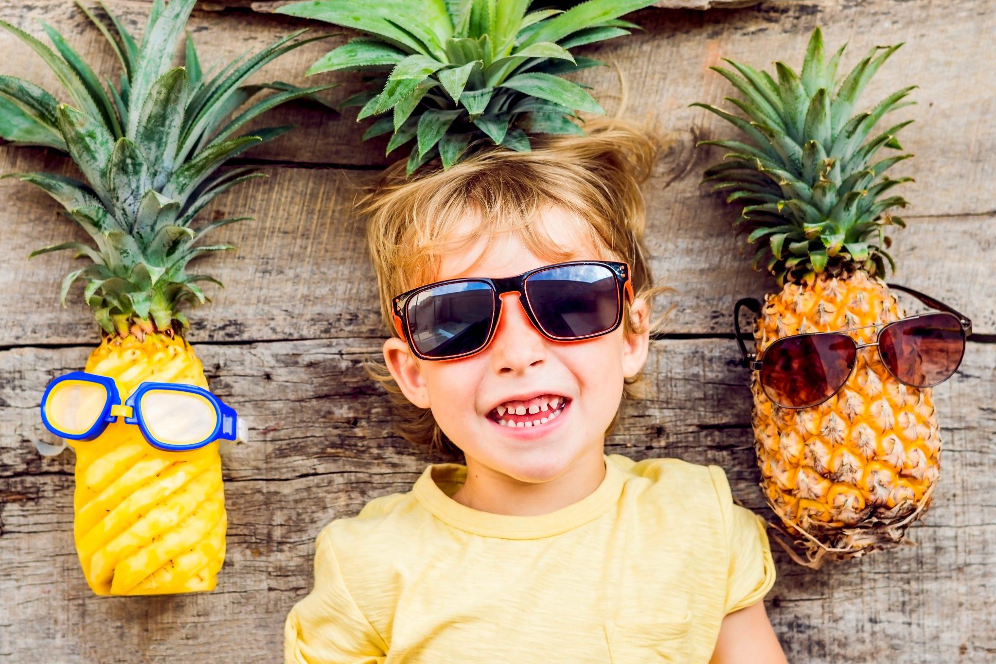 パイナップルと子ども