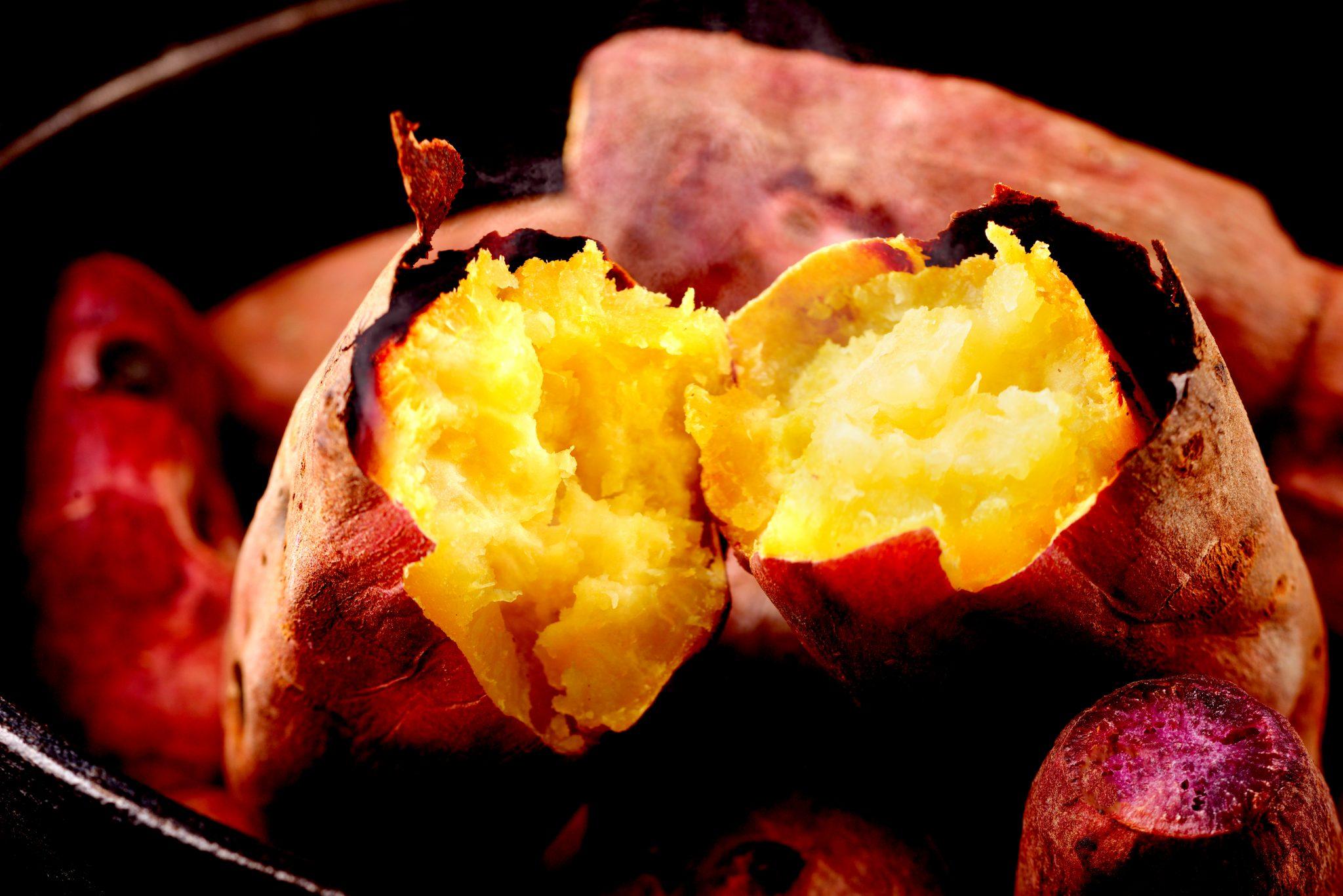 新鮮なサツマイモで作った焼き芋