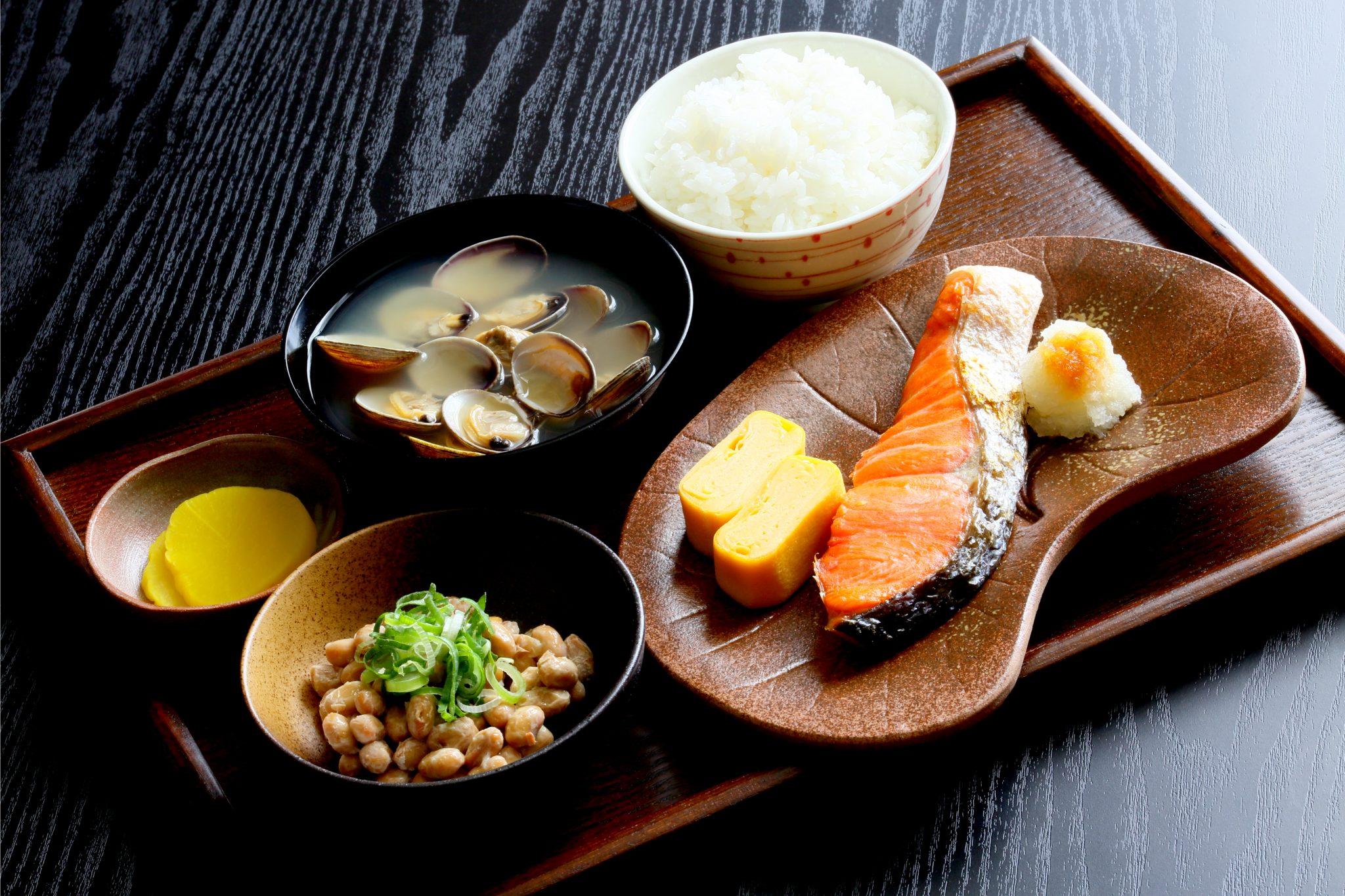 日本の旅館で出るような朝食