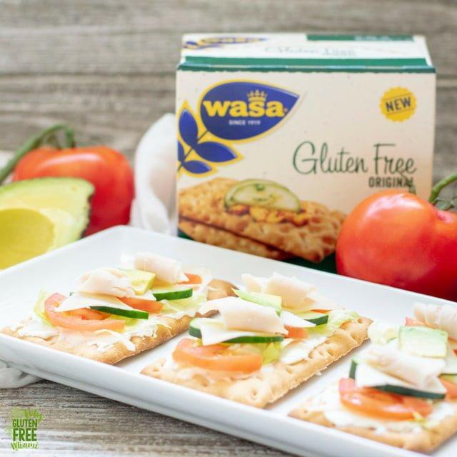 California Turkey Club Flatbread with Wasa Crackers