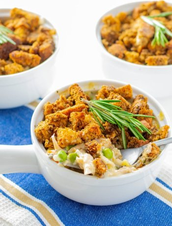 gluten free turkey pot pie in small dishes