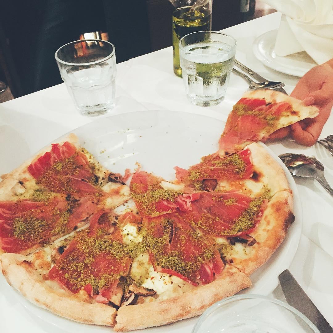 unique-pizzas-11