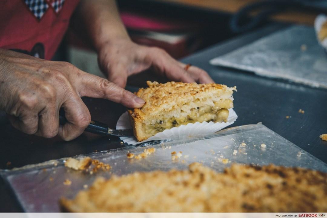 dona manis - banana pie