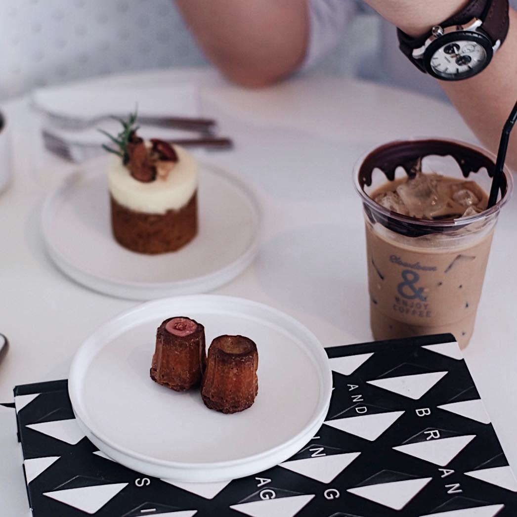 bangkok hipster cafe - coffee and design
