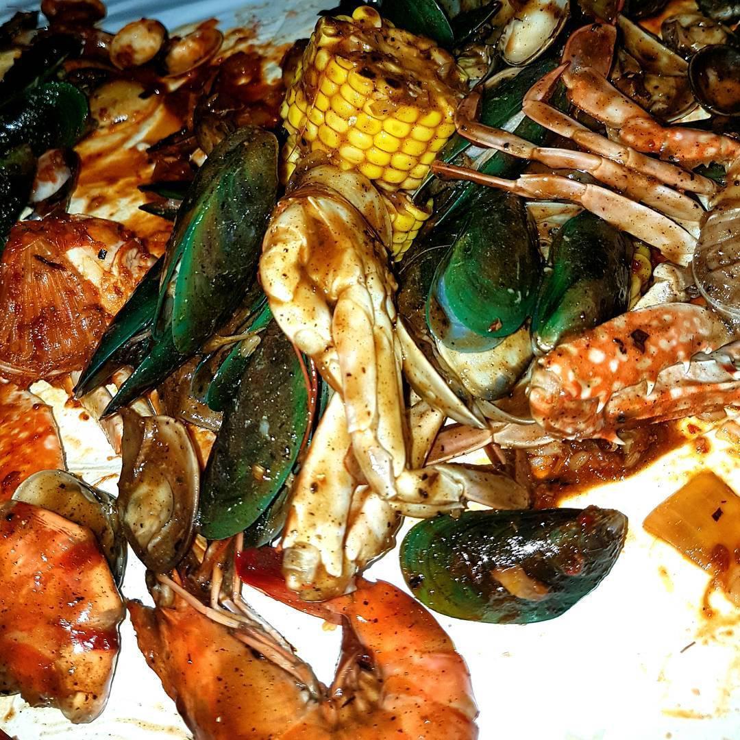 Halal Seafood Bucket - Claw Industry