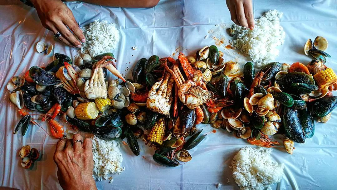 Halal Seafood Bucket - Dad's Corner