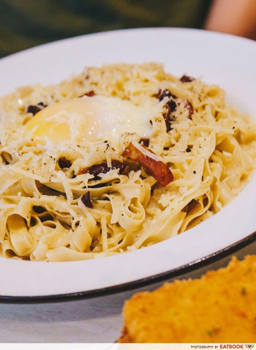 Pastaria Abate Carbonara Close