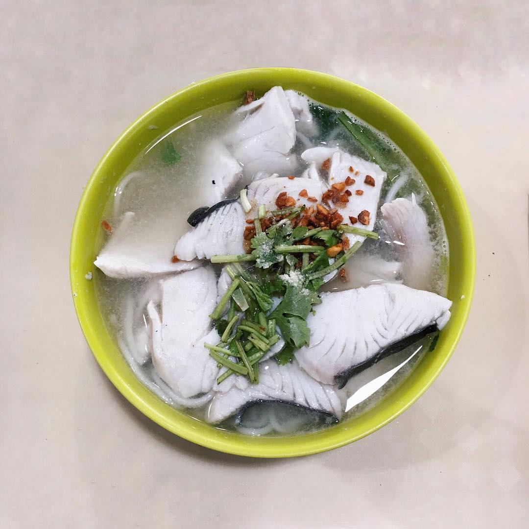 popular hawker stalls han kee fish soup