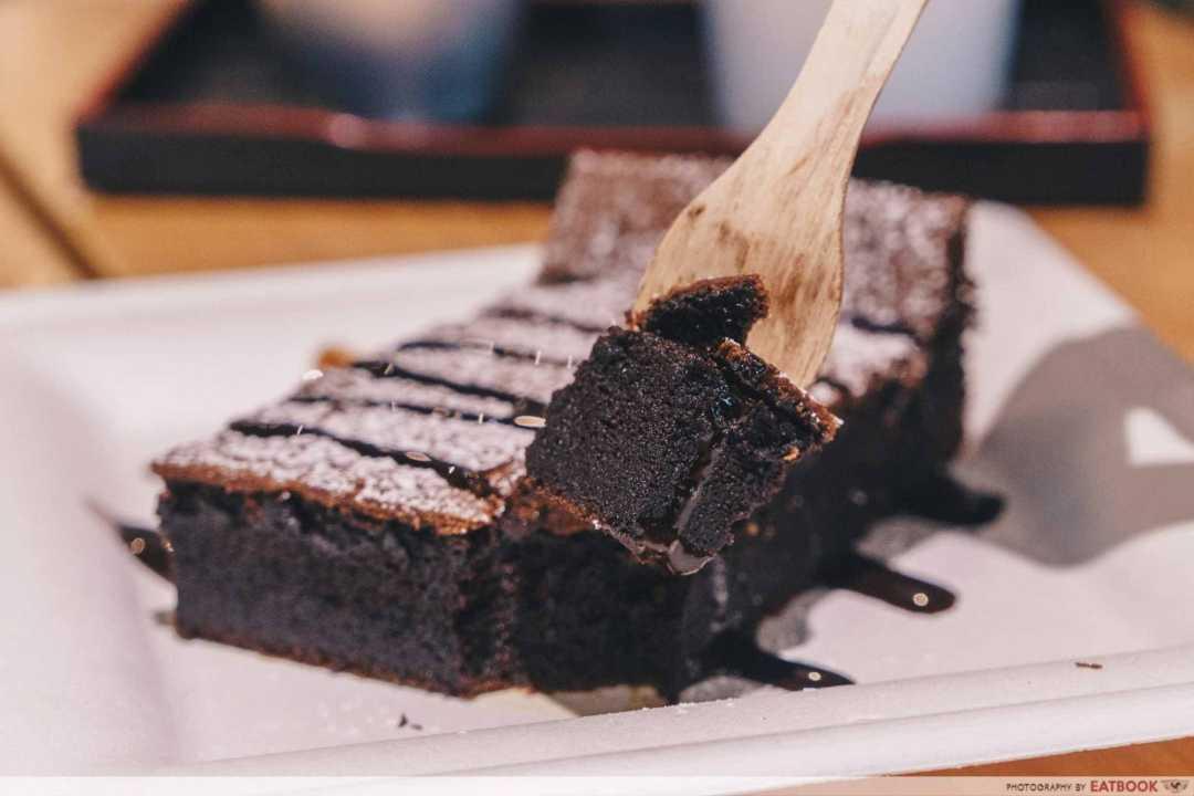 12 New Restaurants June - OCD Cafe gateau au chocolat