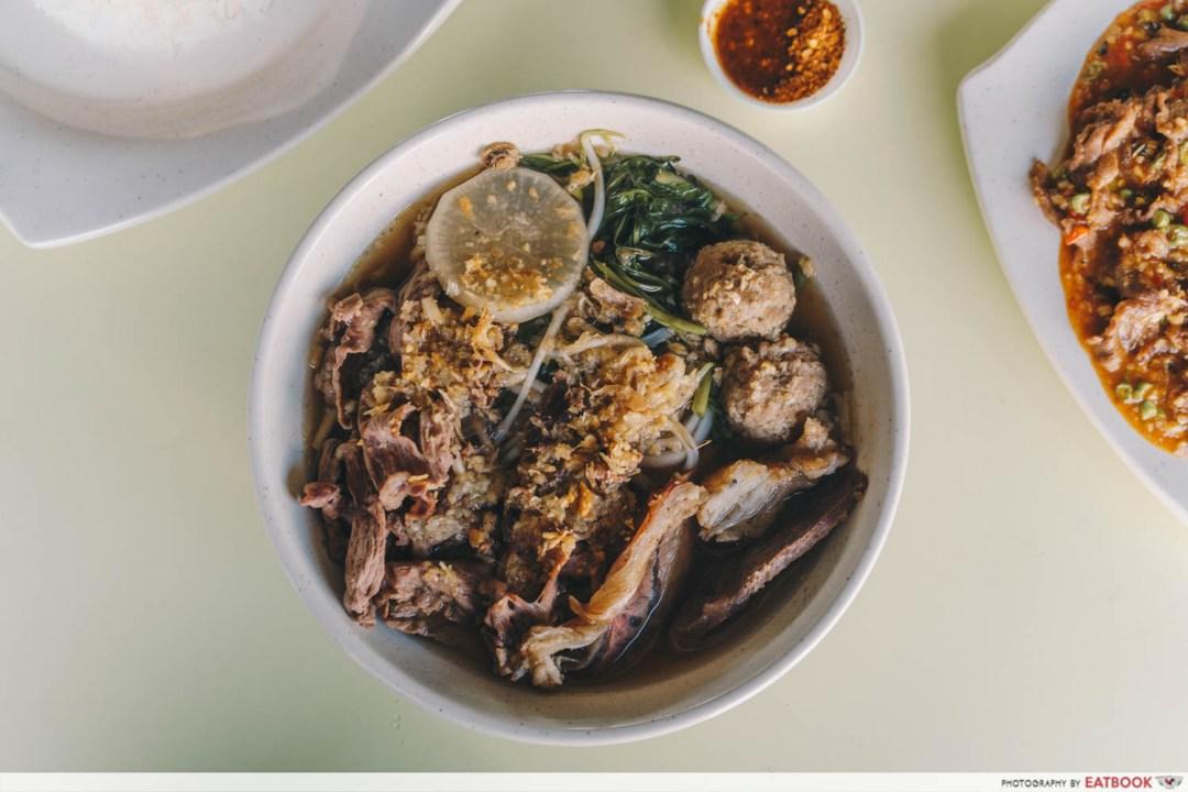 omar's halal thai beef noodles thai beef noodles