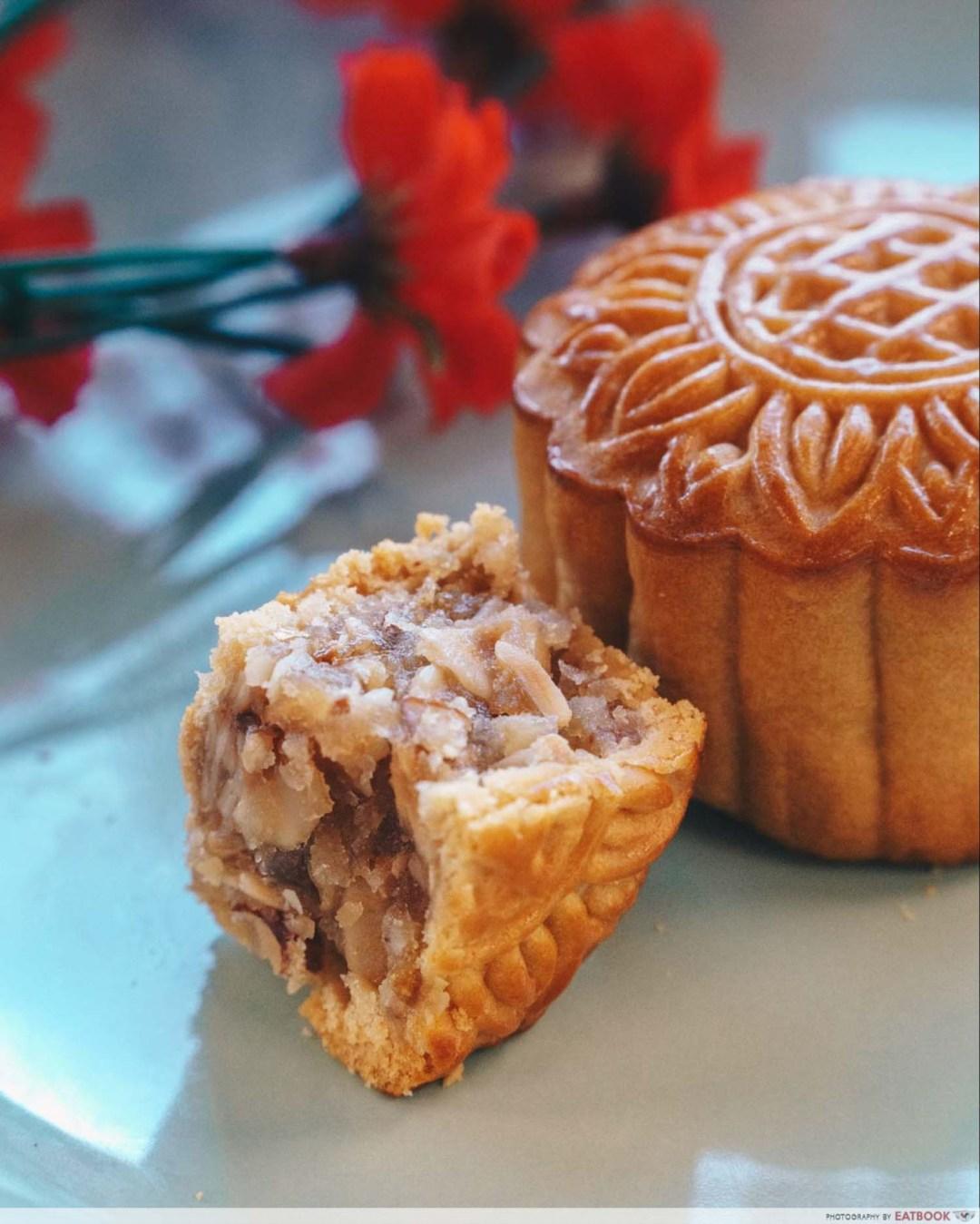 Mooncakes - Caramel mixed nuts