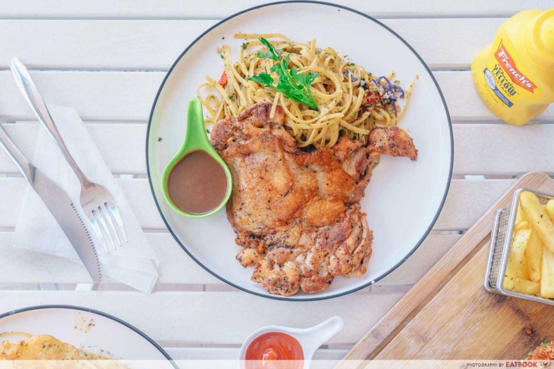 Craze Kitchen - Chicken chop aglio olio