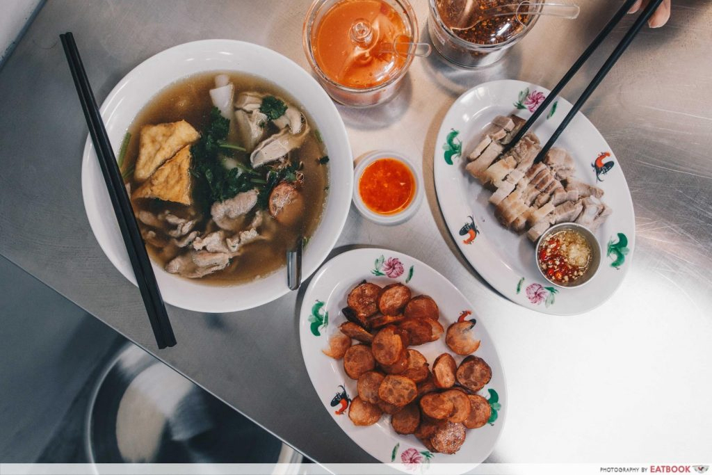 Famous hawker delivery Yaowarat Thai Kway Chap