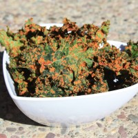 Sundried Tomato & Basil Cheesy Kale Chips - Best Kale Chips I've Tried Thus Far!