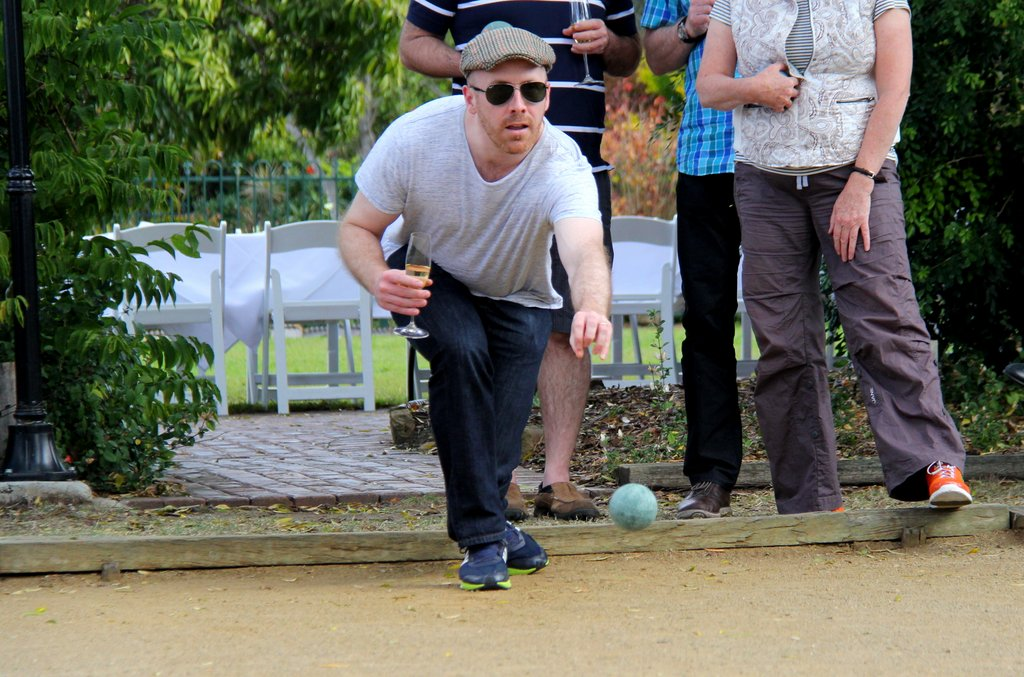 Le Boulodrome - play a round of petanque