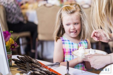 A very excited guest at the 2015 Festival Grand Brunch. Photo by Stacey Doyle Photography