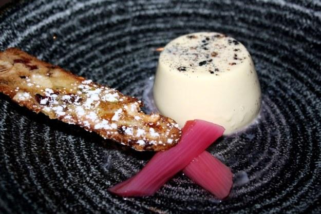 Vanilla Panna Cotta, Biscotti, Rhubarb