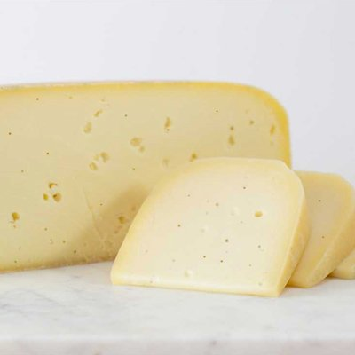 Cheese Gifts: Toma with Truffles