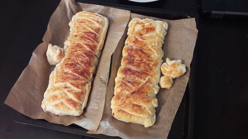 Puff pastry stuffed with chocolate recipe