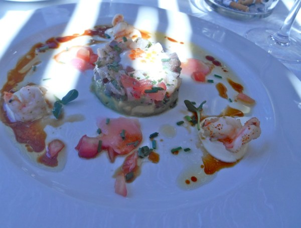 Delicate yellowtail tartare with the tastiest of prawns