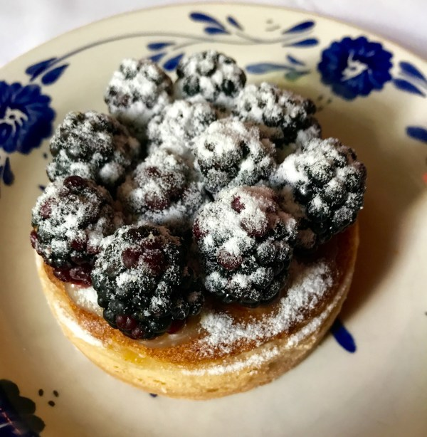 San Angel Inn: blackberry pie