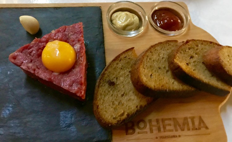 Warsaw: steak tartare