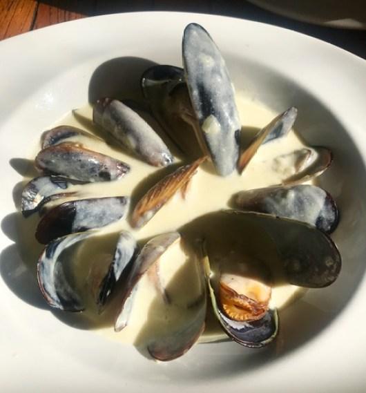 Simon's: West Coast mussels
