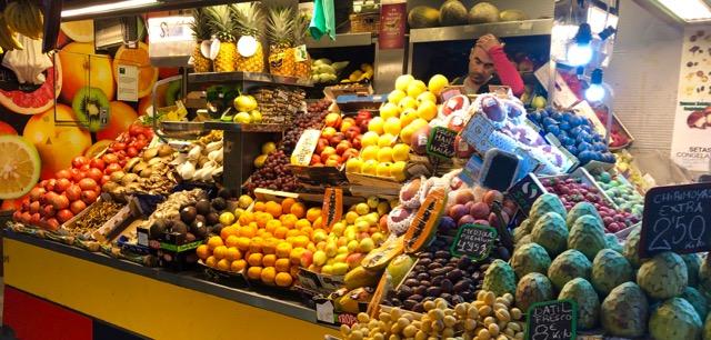 Malaga: fruit and veg market