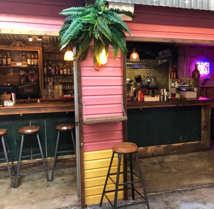 Bar Bayou: bar