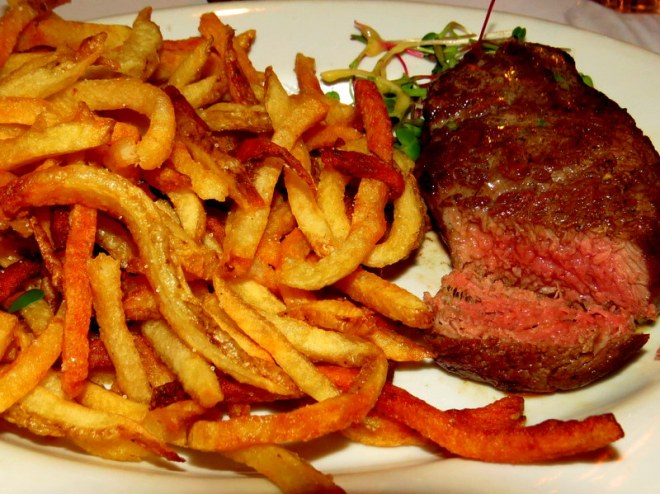 Antigua restaurants Bistrot Cinq