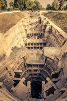 TheQueensStepwell_India