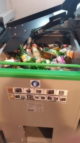 Automatic garbage can open Alimentaria