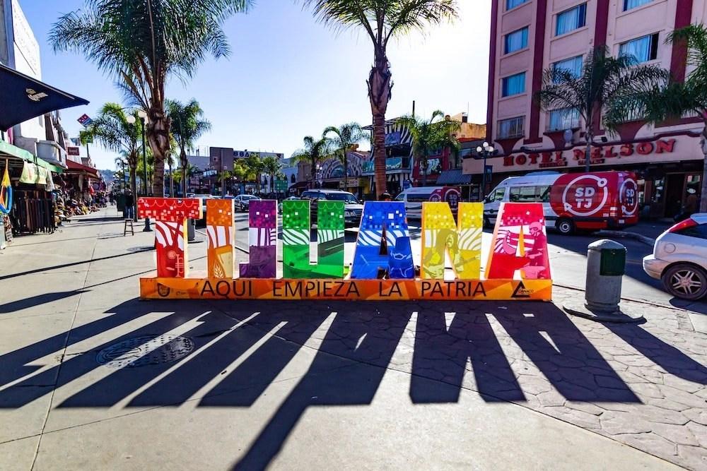 Anthony Bourdain in Tijuana Hero