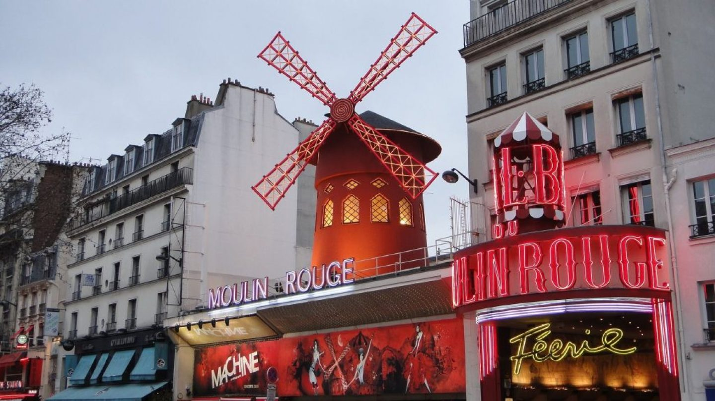 moulin-rouge-2221235_1920