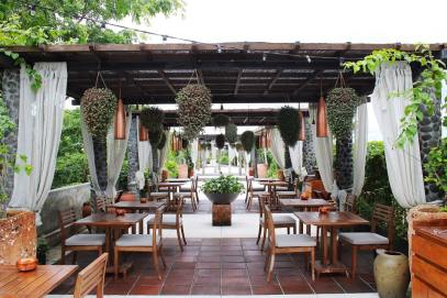 Outdoor rooftop dinner at Bisma Eight