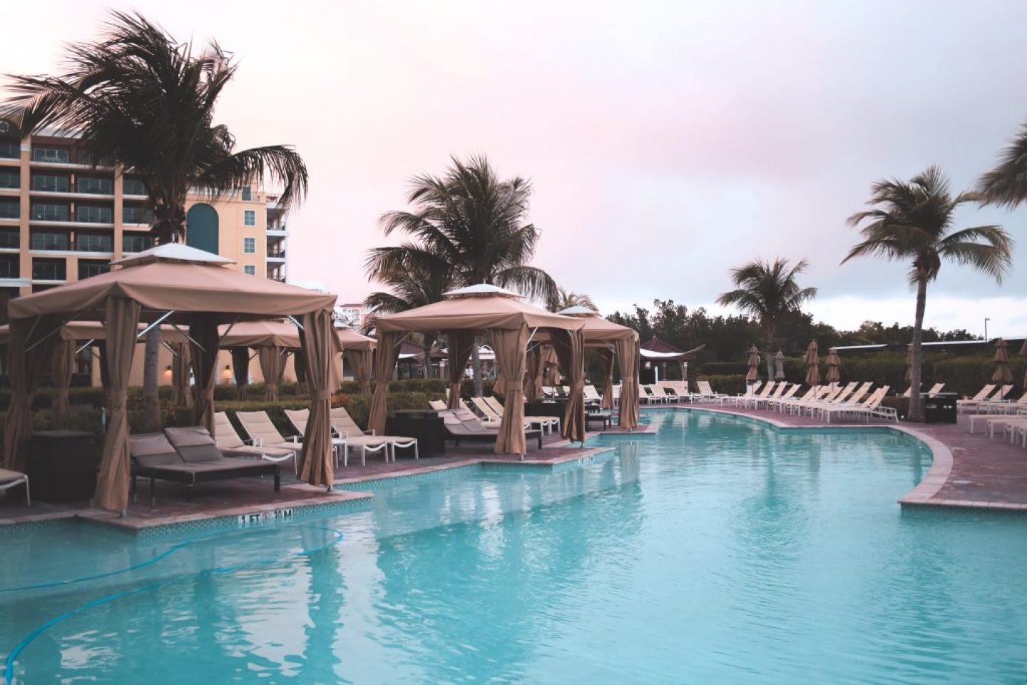 Where To Stay In Aruba: ritz carlton sunrise with a pool