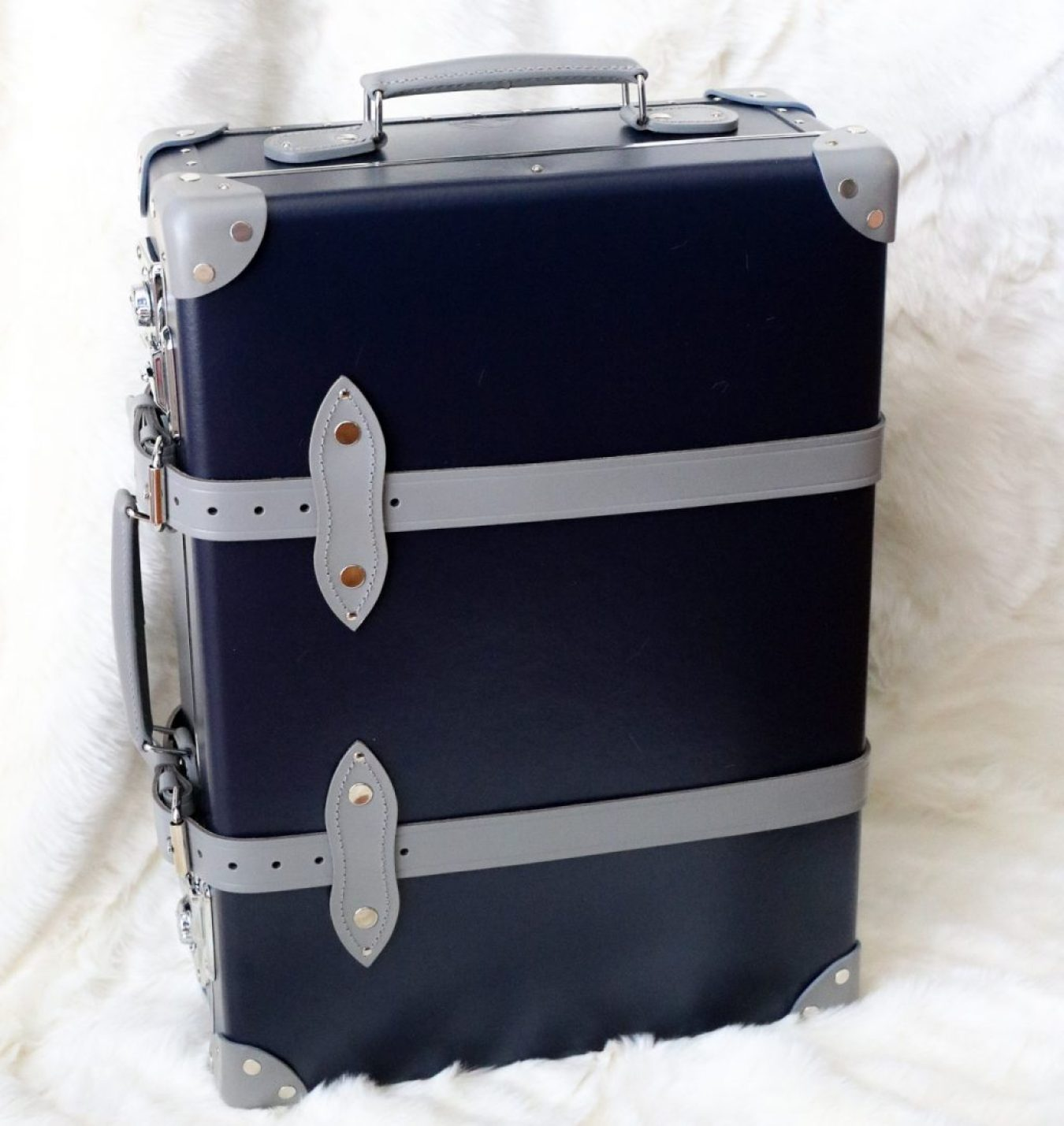 cc1916430d1 Globe Trotter Luggage: The Perfect Carry On Trolley Case