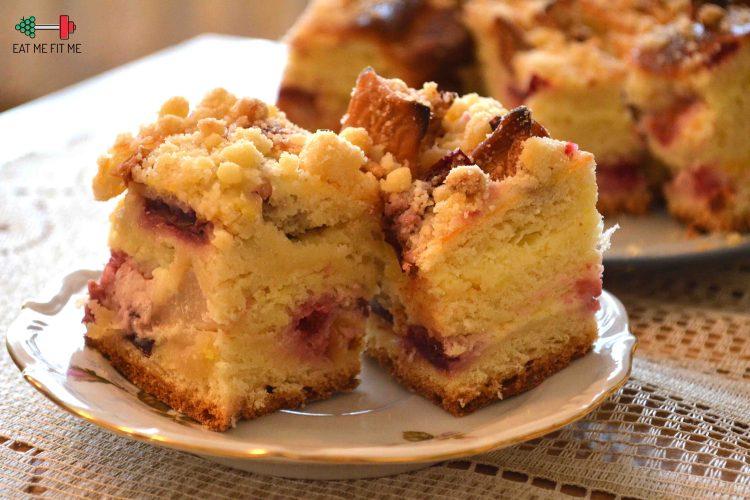 Zawijane ciasto drożdżowe z owocami