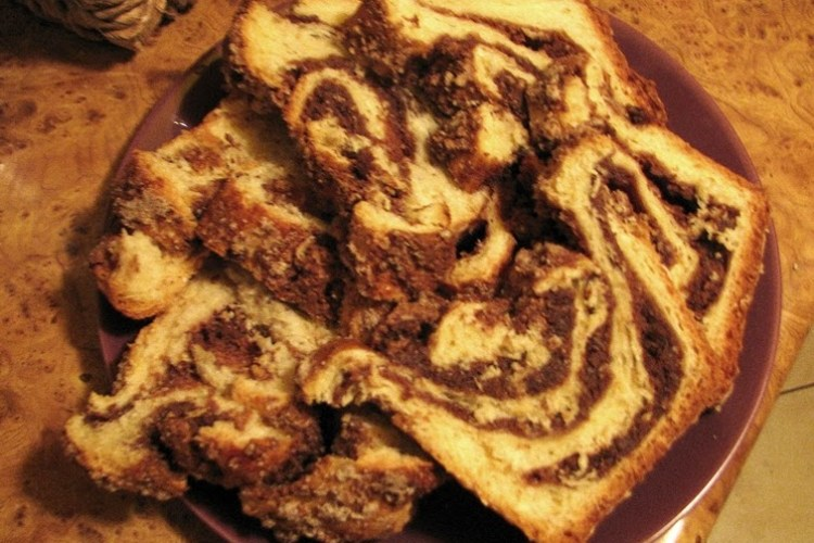Strucla orzechowa z drożdżowego ciasta