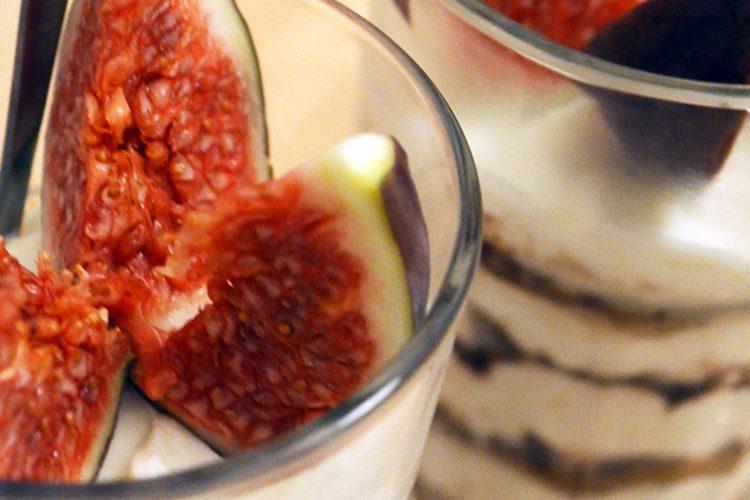 Łatwy przepis na szybki deser z Mascarpone – tiramisu z figami