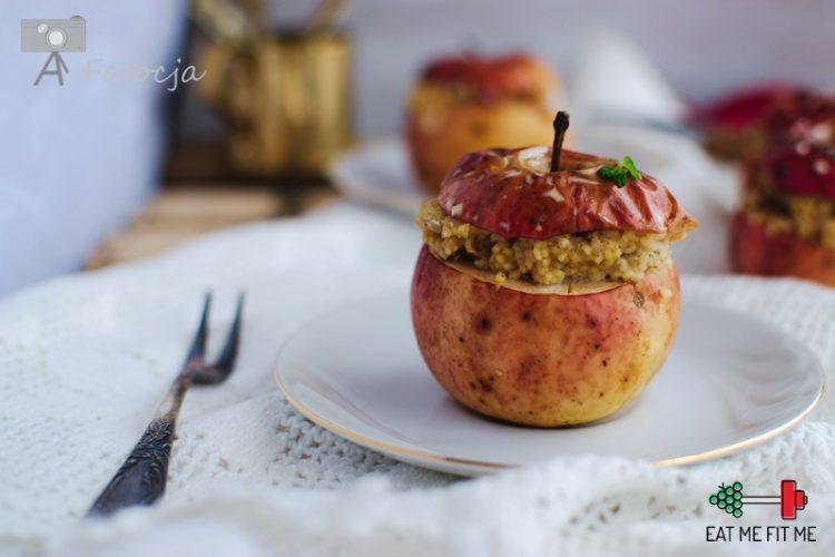 Pieczone jabłka z cynamonową kaszą jaglaną bez glutenu i dodatku cukru
