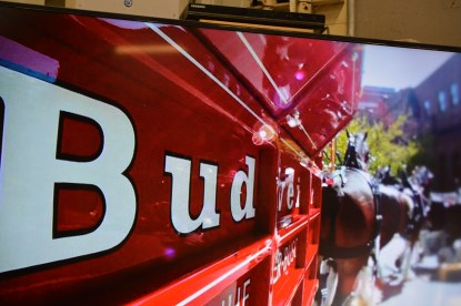 budweiser-beer-wagon-pulled-by-clydesdales