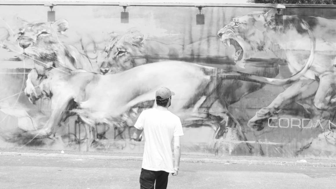 Eatmytravel à Wynwood Wall en noir et blanc