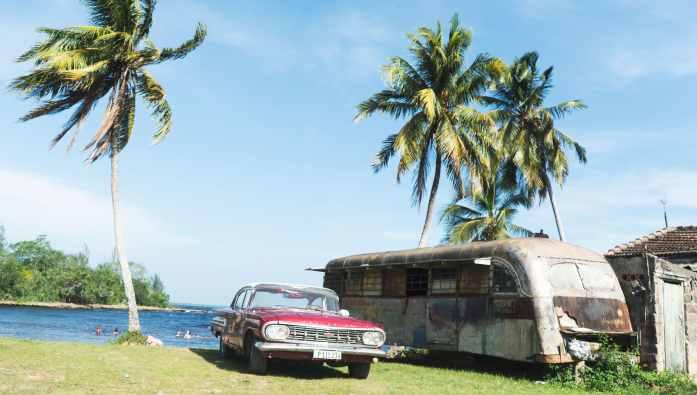 Vielles voitures à Playa Larga