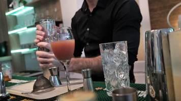 préparation cocktails l'amirauté