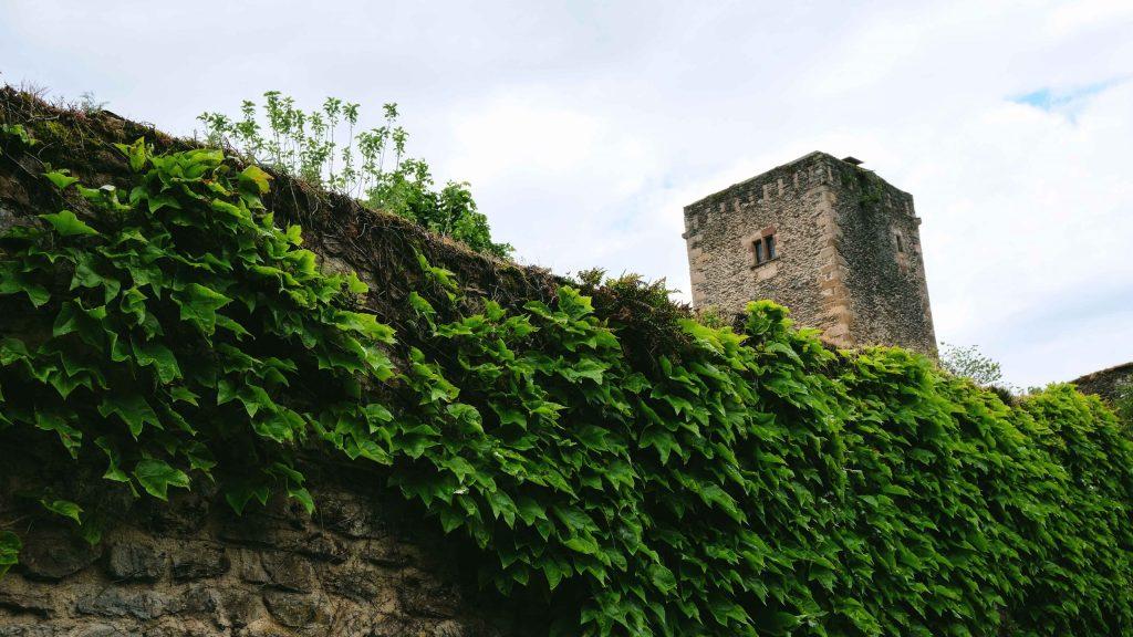 chateau de belcastel tour