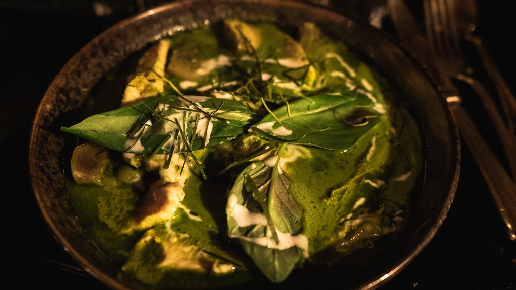 plat de curry vert