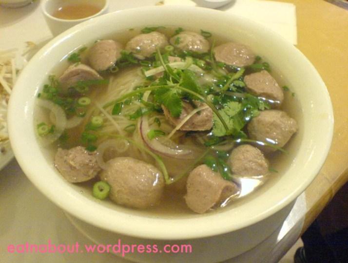 Green Lemongrass Vietnamese: Beef ball pho