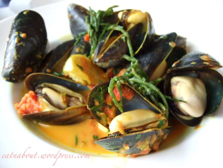 The Fish House at Stanley Park: Mussels with sea grass